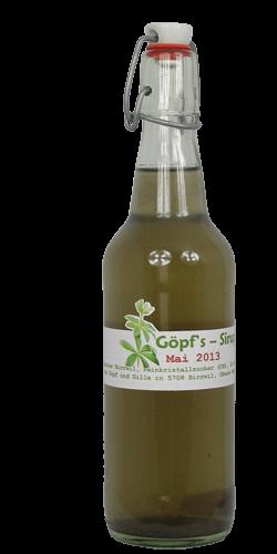 <p>Der Geschmack von Waldmeisterbl&auml;tter-Sirup erinnert an frisches Heu und ist daher etwas ungewohnt. Sie haben die M&ouml;glichkeit, diese Spezialit&auml;t bei uns vor dem Kauf zu degustieren. <br />Will man etwas Spezielles und nicht Allt&auml;gliches zum Trinken anbieten, so ist der Waldmeistersirup ob&nbsp; aus Bl&uuml;ten oder Bl&auml;ttern gewonnen, genau das Richtige. <br />Hervorragend geeignet zum Mixen von verschiedenen Drinks wie Maibowle oder Berliner Weisse. Ebenso lassen sich Desserts damit wunderbar verfeinern.<br />Die pastellig blaugr&uuml;ne Farbe dieses Sirups entstand durch die Zugabe von Veilchen, welche sich beim Sammeln anboten.</p>